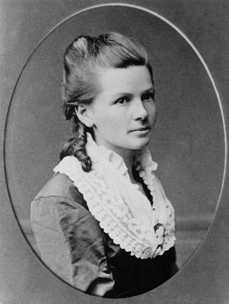 Berthabenz portrait